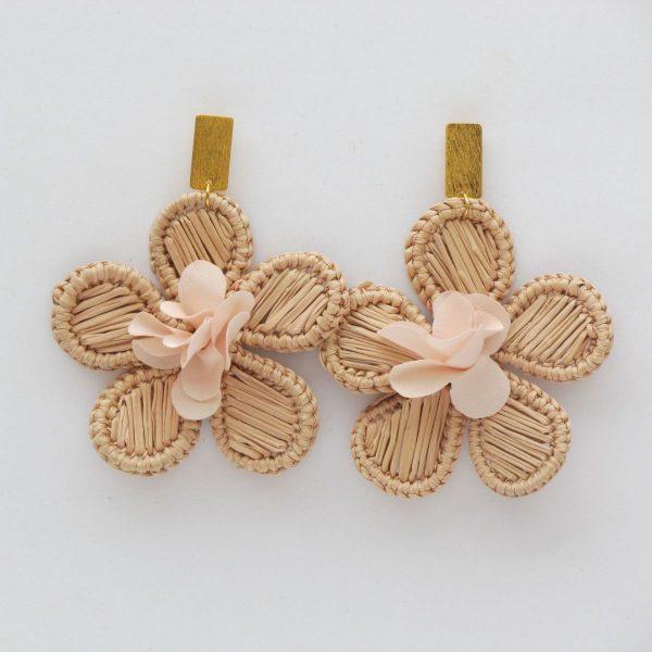aretes hechos a mano flor 1